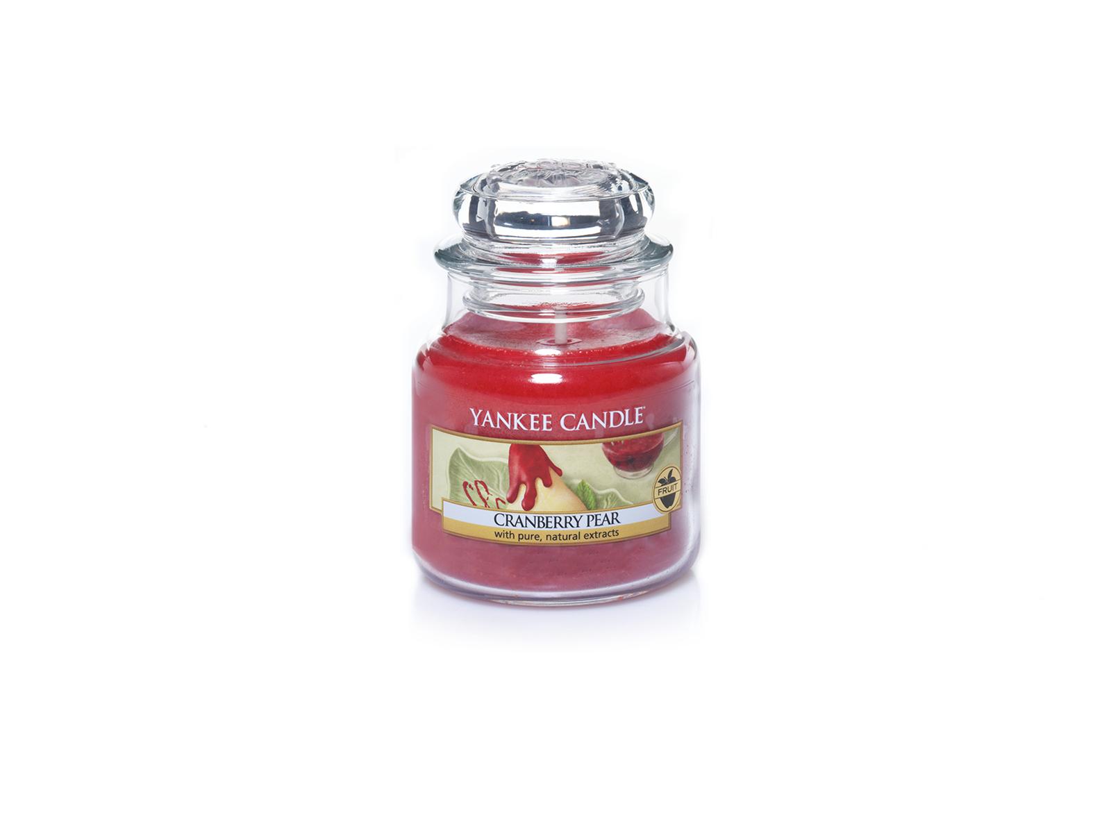 Свеча Cranberry PearСвечи и подсвечники<br>Свеча маленькая  в стеклянной банке Клюква с грушей. Время горения 25-45 часов.<br>