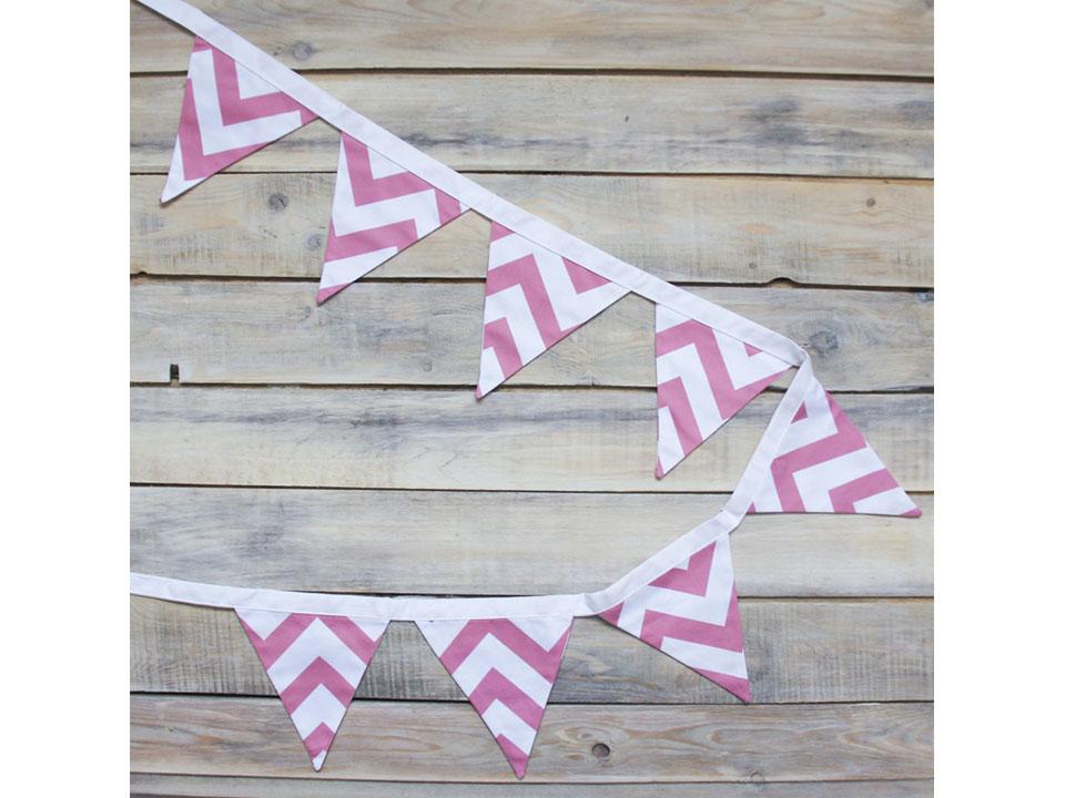 Гирлянда Pink ZigzagВигвамы<br>Гирлянда из 8 тканевых флажков. Еще один декоративный элемент вигвама для детей.<br>